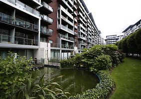 Veeve   Luxury Apartment Chelsea Bridge Wharf